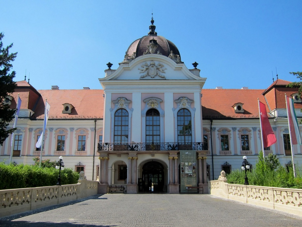 Godollo Hungary  City new picture : The Royal Palace of Godollo, Hungary Ferreting Out the Fun